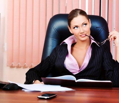 Что делает старший администратор?