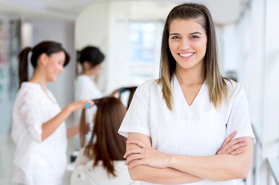 Форма для персонала салона красоты: что нужно знать при выборе